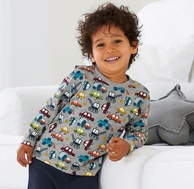 Baby-Jungen-Shirt mit coolen Fahrzeugen