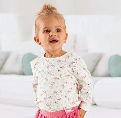 Baby-Mädchen-Shirt mit praktischer Knopfleiste