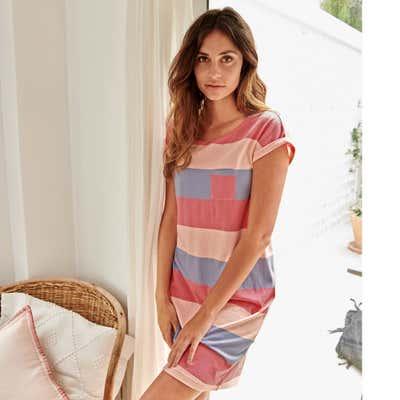 Damen-Nachthemd mit bunten Streifen