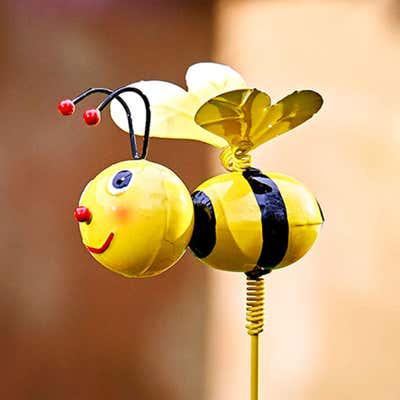 Gartenstecker mit Bienenfigur in verschiedenen Ausführungen, ca. 6x8x70cm