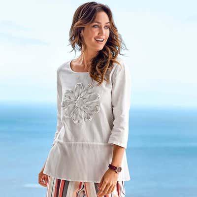 Damen-Bluse mit schönen Applikationen