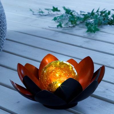 Solar-Leuchte in Lotus-Design, Ø ca. 23cm