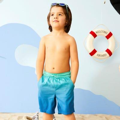 Jungen-Badehose mit Farbverlauf