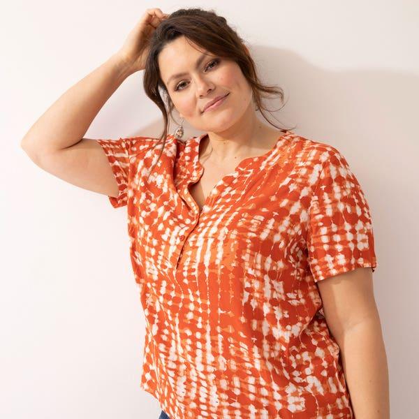 Damen-Bluse mit besonderem Ausschnitt, große Größen