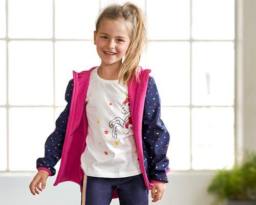 Hübsche Mädchen-Jacken