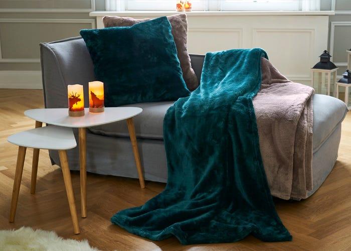 Kuschel-Decken und -Kissen