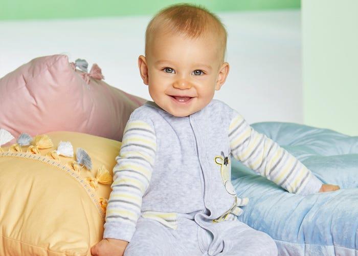 Zuckersüße Baby-Kleidung