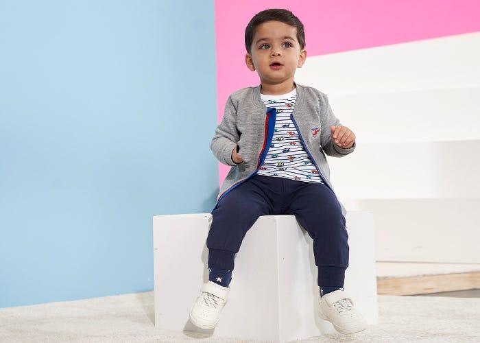Putzige Outfits für Baby Jungen
